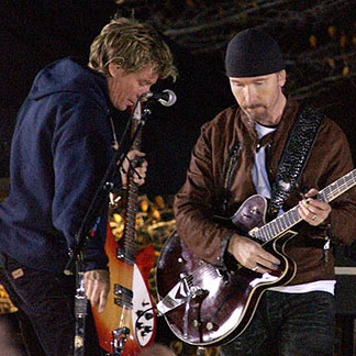 Dallas Schoo con The Edge